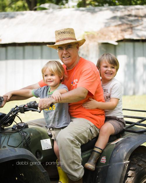 four wheel family farm pictures