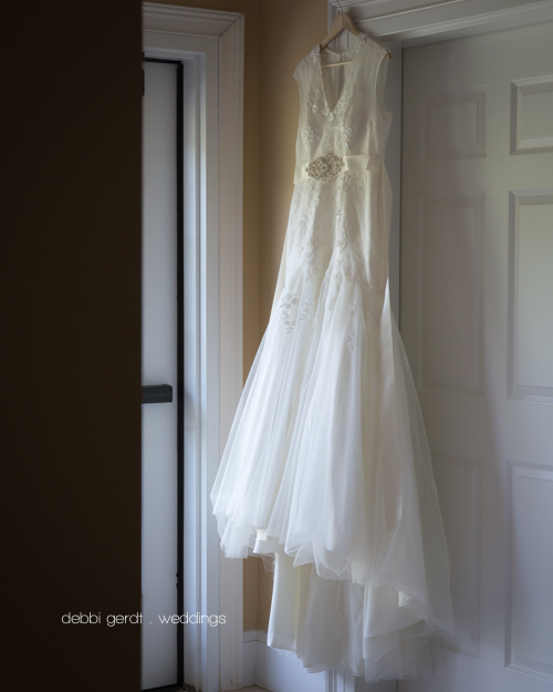 Wedding dress picture Cleveland Athens Knoxville TN Wedding Photographer