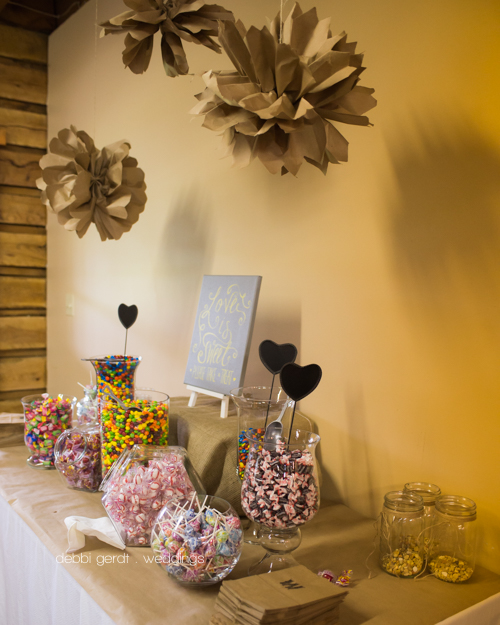 Cleveland Athens TN wedding reception photography sweets table picture