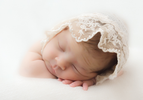 Newborn Portrait Photographer in Cleveland Athens Knoxville TN